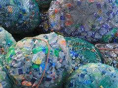 Plastik-Müll - Foto: mauriceangres - Creative-Commons-Lizenz CC0